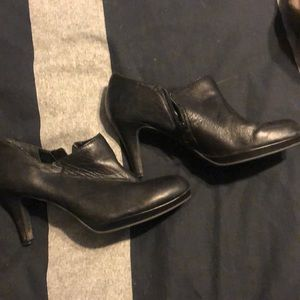 Alex Marie, size 8 booties, black